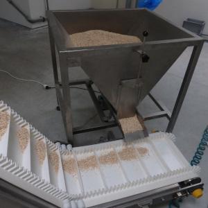 "Belt conveyor ""Z"" with vibrating feeder"