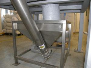 Conveyor funnel